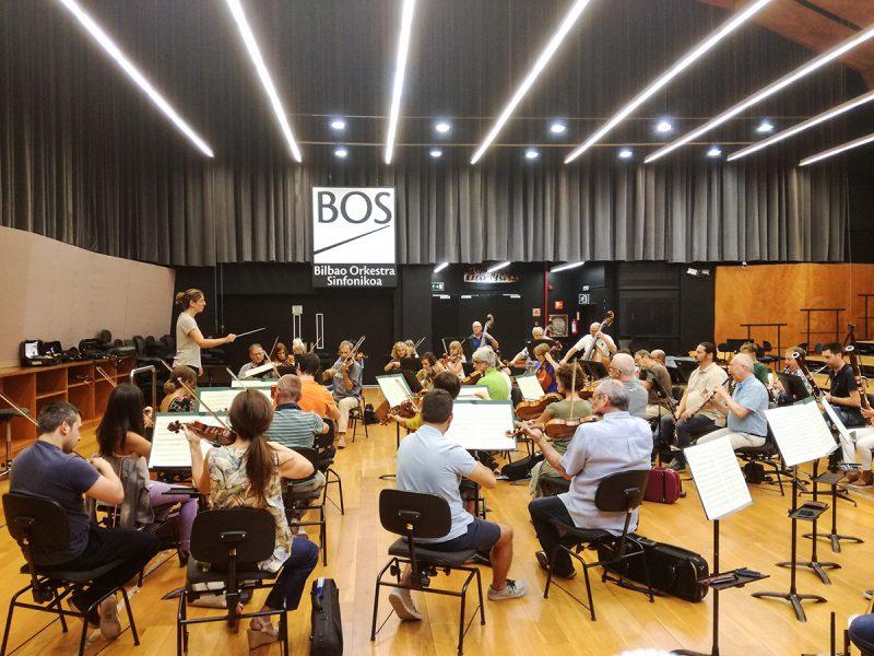 La directora de orquesta Lara Diloy se pone al frente de la Orquesta Sinfónica de Bilbao